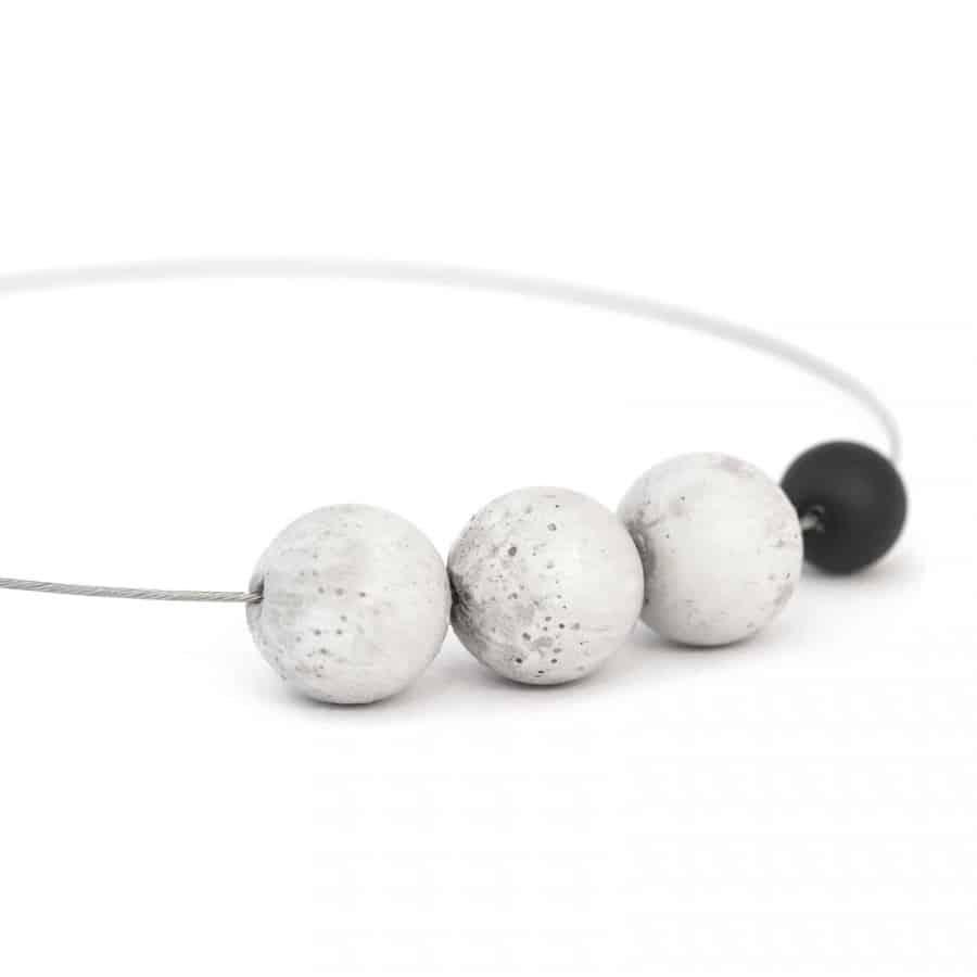 Betonový náhrdelník BET-N102
