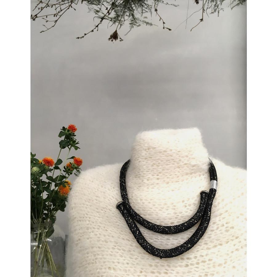 černozlatý jednoduchý náhrdelník buchy
