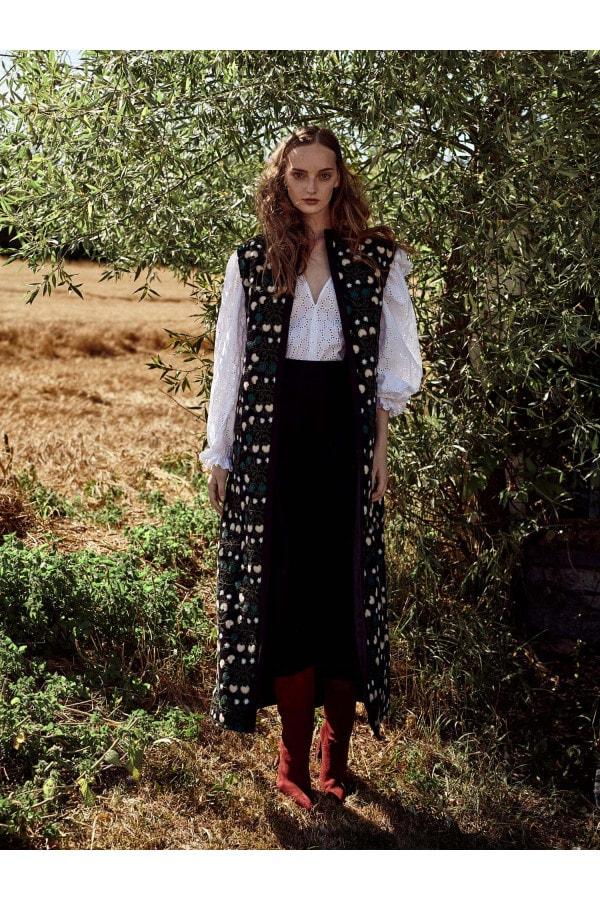 Vyšívaná dlouhá vesta Itzel