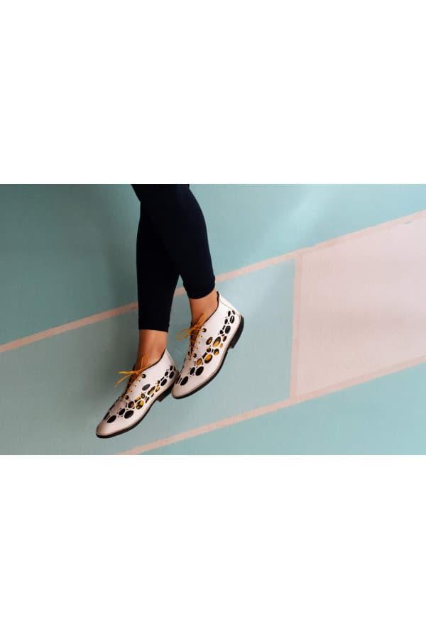 Natura 77 shoes