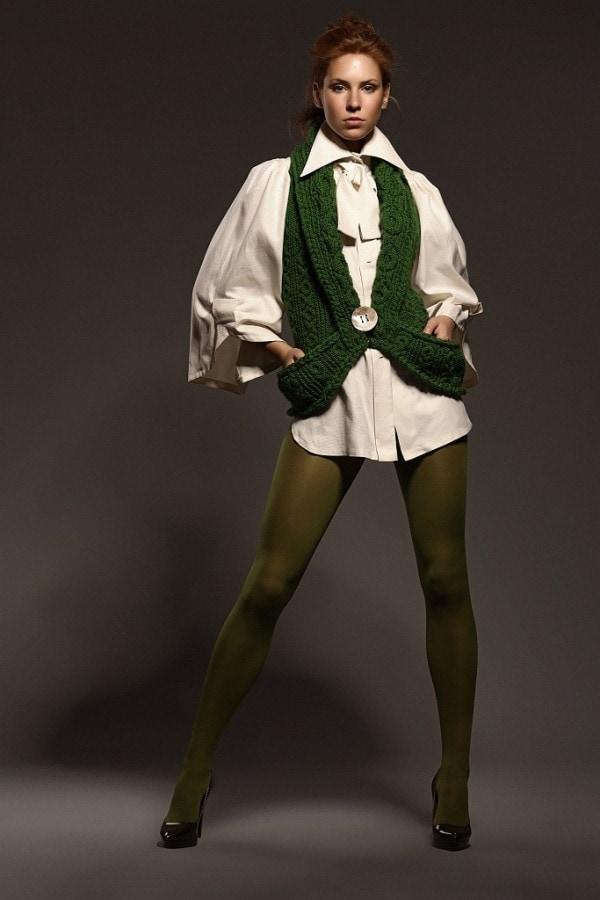 Ručně pletená zelená vesta