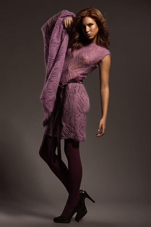 Ručně pletené fialové šaty