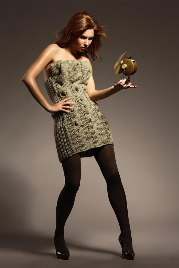 Ručně pletené mini šaty