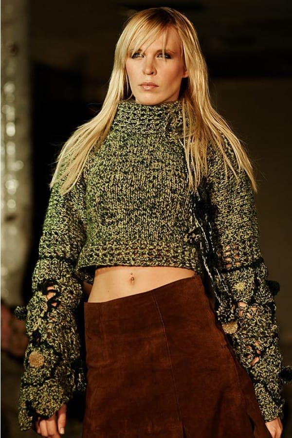 Ručně pletený zelený svetr