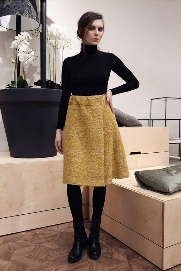 Žlutá vlněná sukně