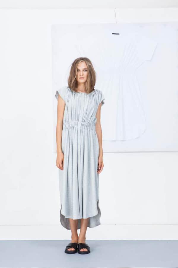 Šaty bez stojáčku 02