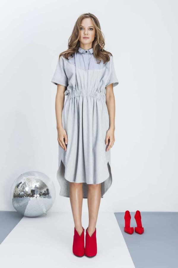 Šaty s límečkem a gumou v pase