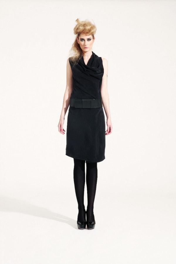 Zavinovací šaty s límcem