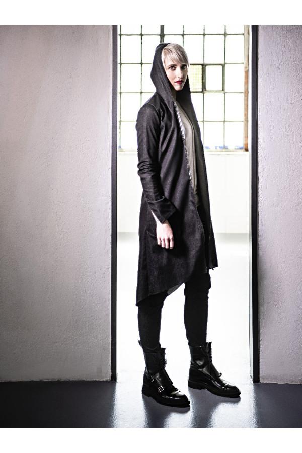 Kabátek s kapucí