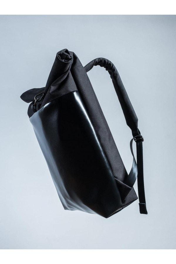 BATOH BLACK