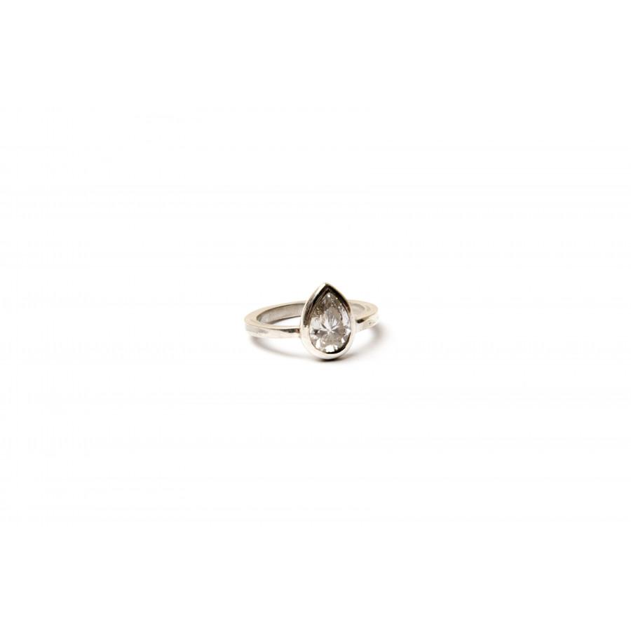 Stříbrný prsten se zirkonem z kolekce Hope 2017