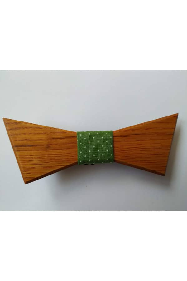 Dřevěný motýlek Brandi se zeleným vázáním s bílými puntíky