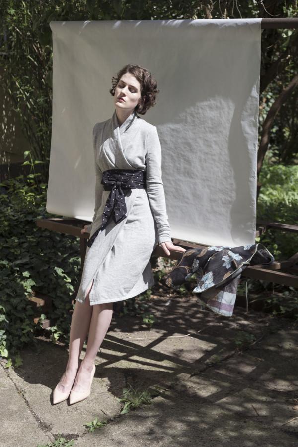 Zavinovací mikinové šaty šedé