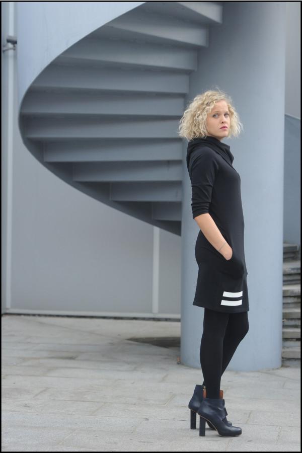 FNDLK úpletové šaty 218 s MAXI límcem