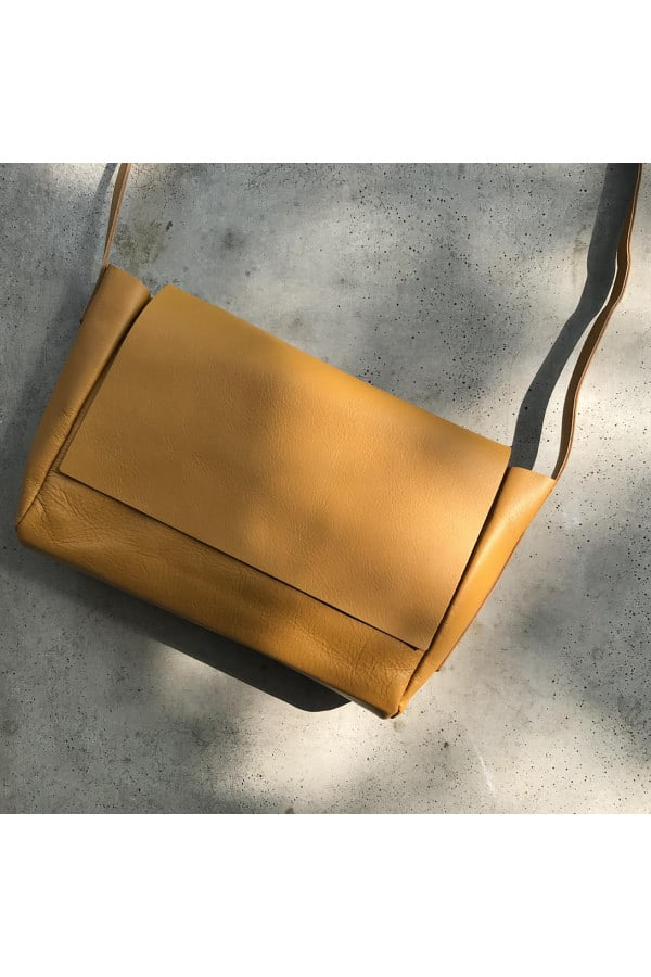 Handbag dark yellow