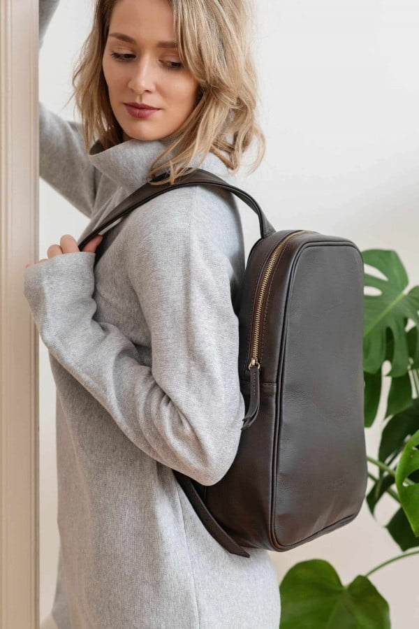 LEATHER BACKPACK EGG BROWN