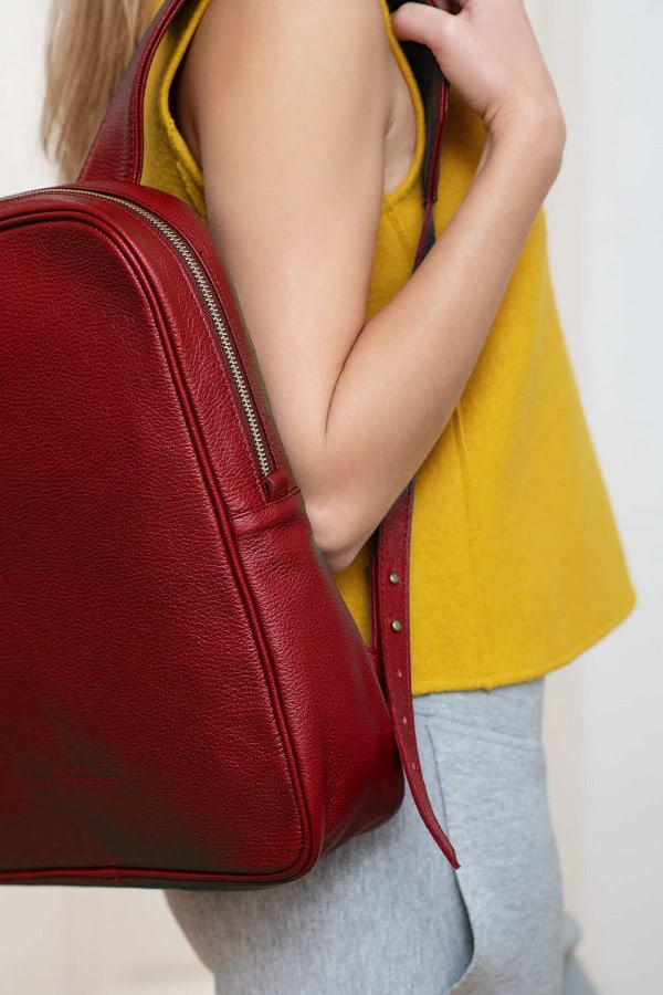LEATHER BACKPACK EGG RED