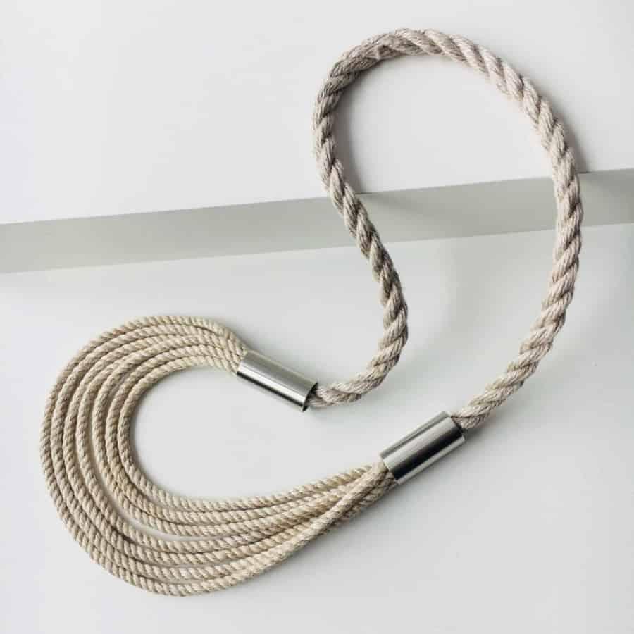 Lněný náhrdelník