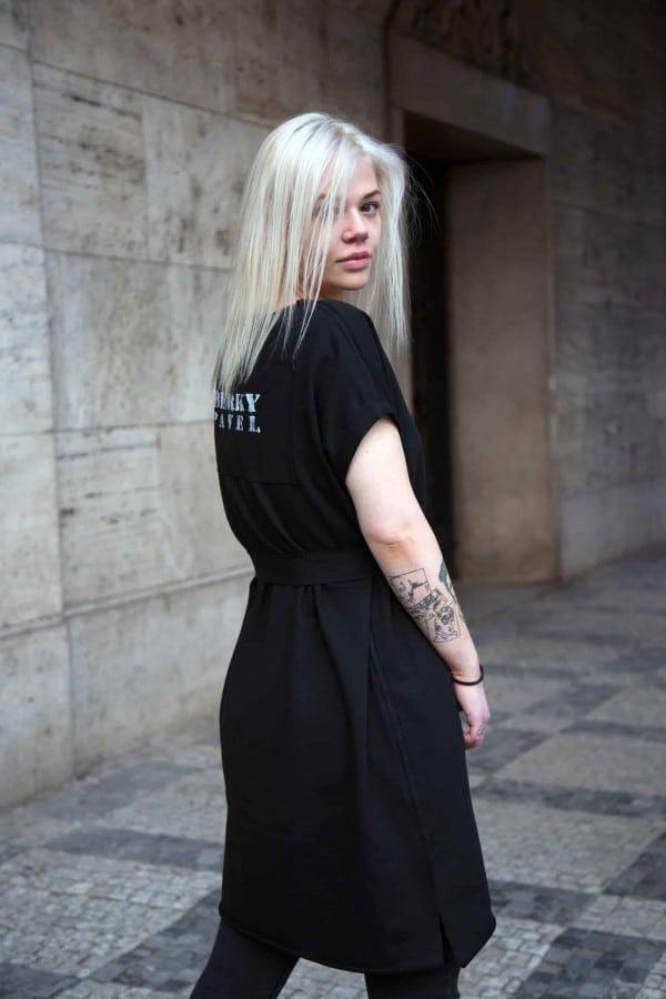 Mikinové šaty černé s krátkým rukávem