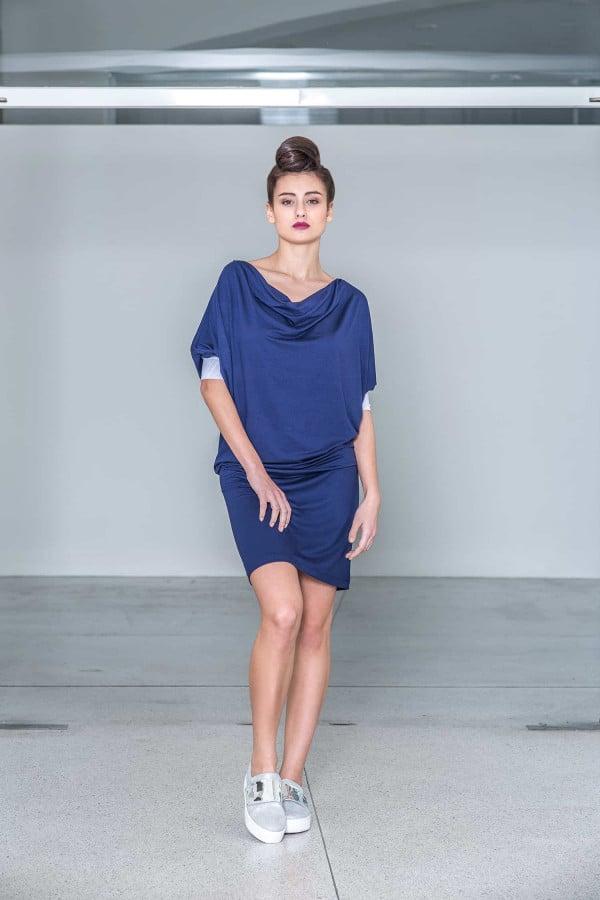 Tmavě modré šaty s tylovou manžetou / SALE