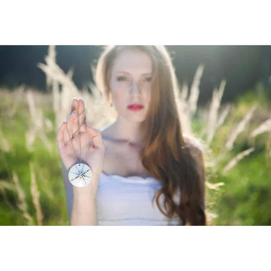 Sluneční čas (náhrdelník s platinou)