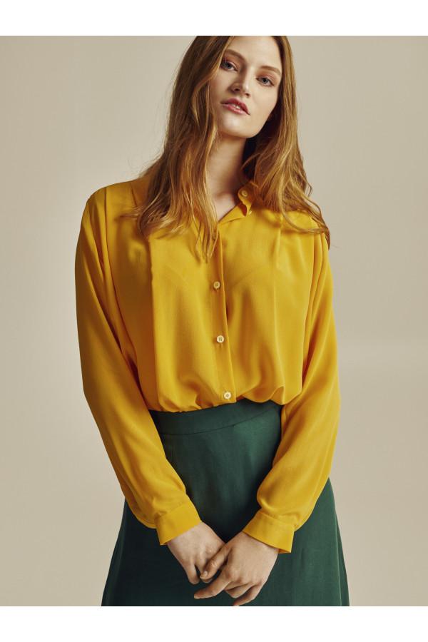 Žlutá hedvábná košile