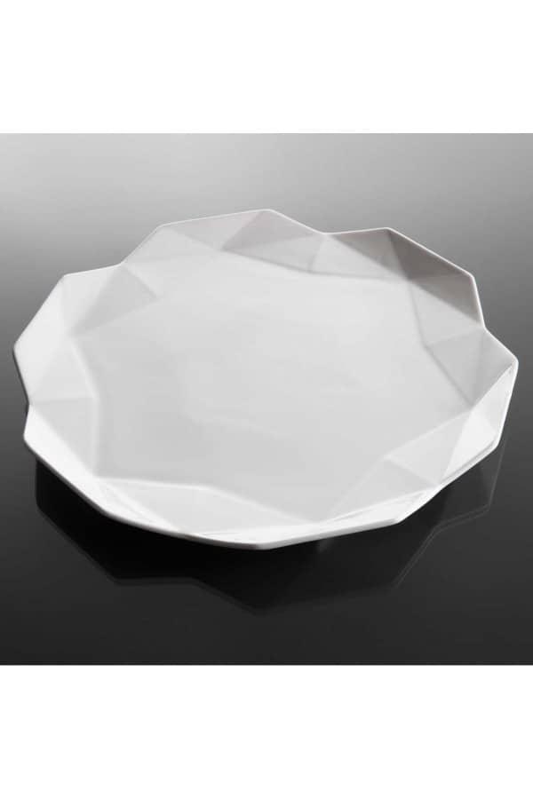 geometrický mělký talíř