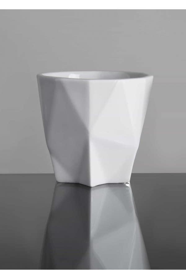 geometrický šálek na ristretto