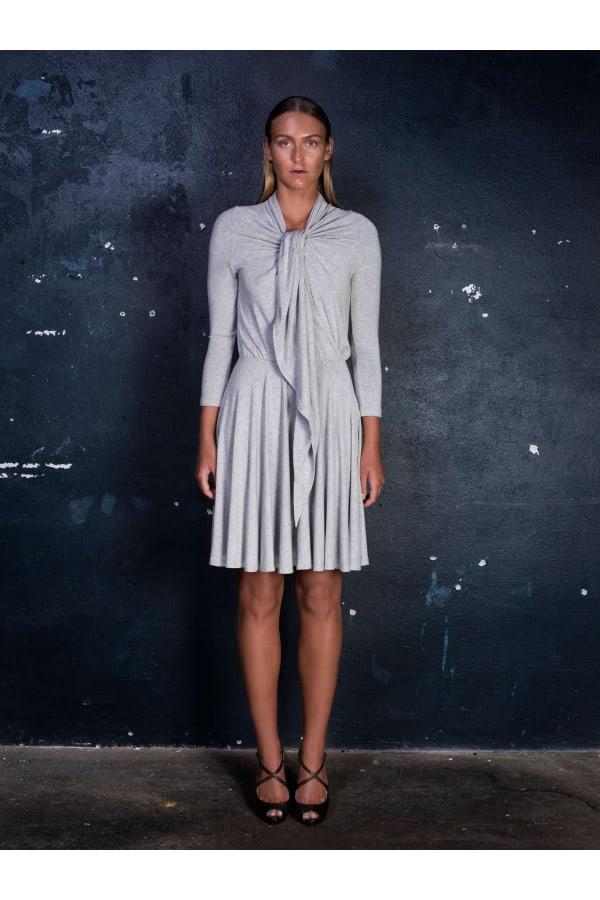 Šaty vázací šedé