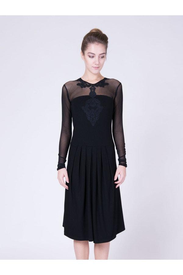 šaty černé krajka